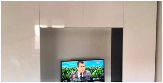 Bela Tv komoda visokog sjaja - stolarija Gavrilović